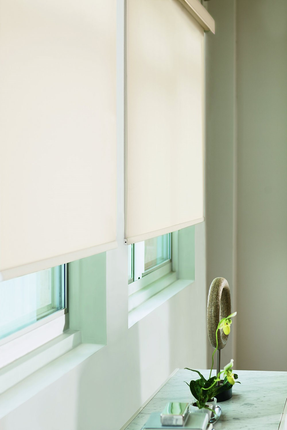 Roller Shades - Room Darkening